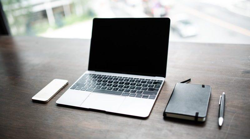 【ノートパソコン外で使う方法】屋外でネット接続する手順とおすすめの方法まとめ