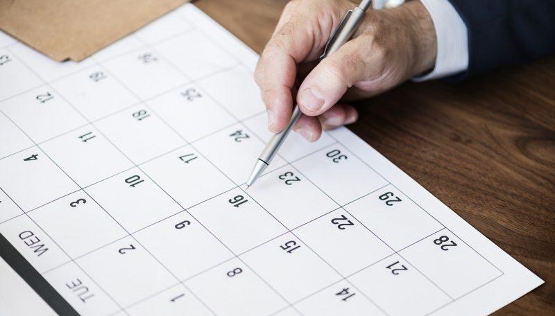 カレンダーで予定を管理