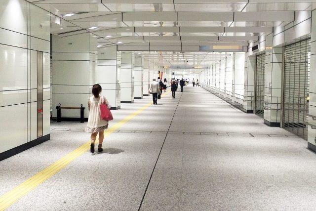 地下鉄の通路